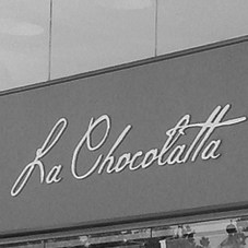 http://iproducciones.cl/trabajos/remodelacion-la-chocolatta/